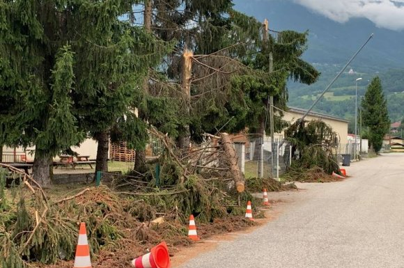 Interventions urgence suite tempête zone industrielle