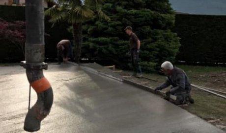 Préparation et coulage dalle béton pour terrasse grès cérame