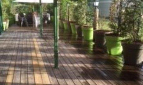 Aménagement terrasse restaurant Ugine