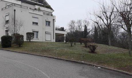 Débroussaillage parcelle copropriété Chambéry avec nettoyage fin d'hiver