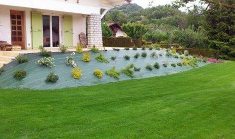 Un jardin impeccable en été comme en hiver Aiguebelle